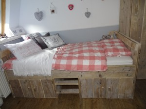 kinder bed steigerhout